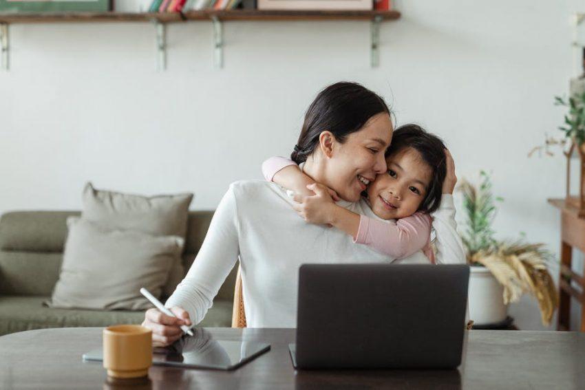 Mom, Working Mom, Digital Marketing
